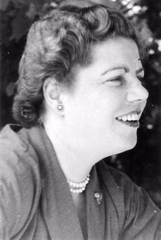 Loes van Overeem rond 1950