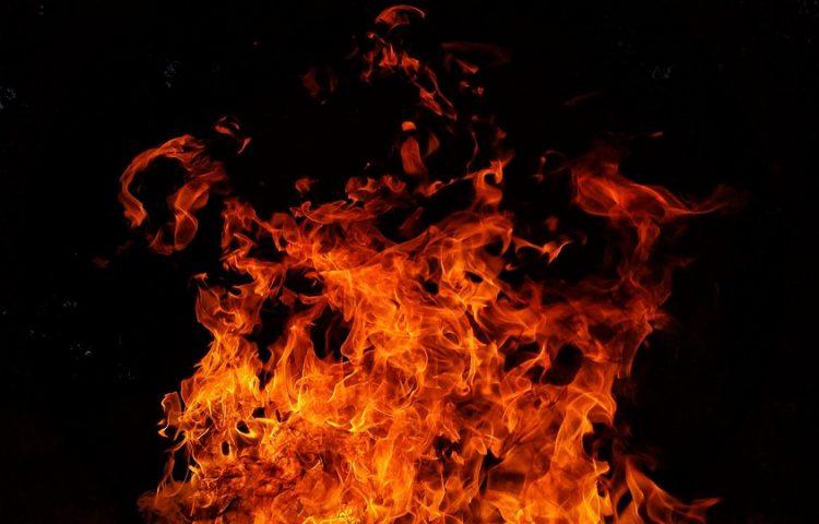 Twee dappere Mechelse broers op de brandstapel (cc - Pixabay - RonaldPlett)