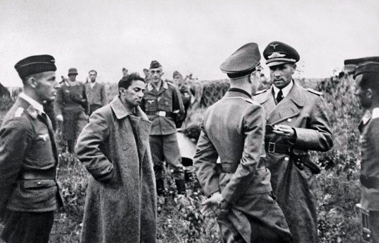 Stalins zoon Jakov werd in juli 1941 opgepakt. Hij stierf twee jaar later in kamp Sachsenhausen.