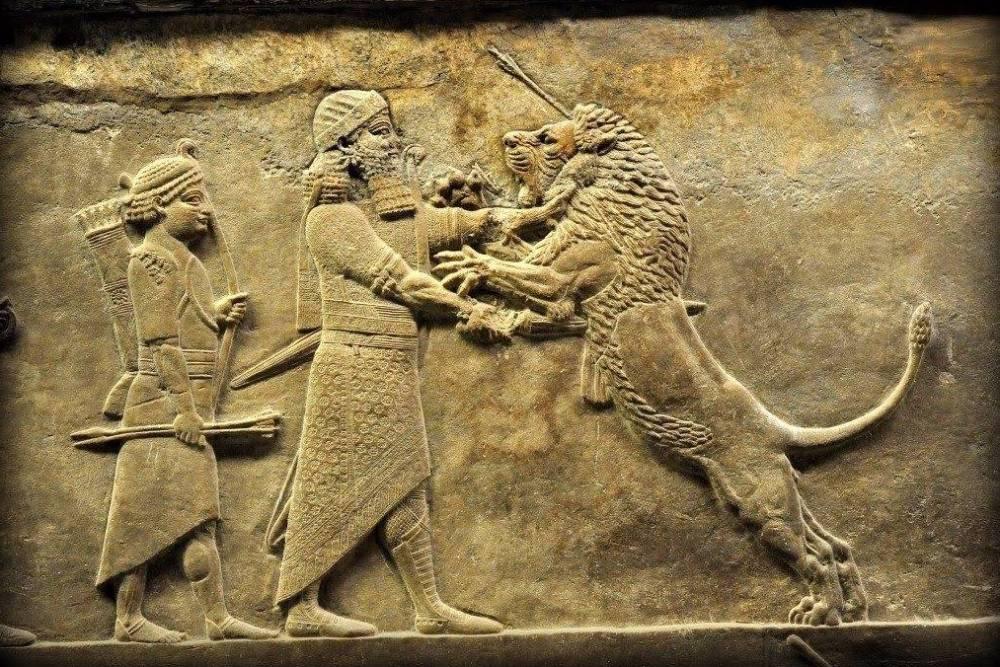 Assoerbanipal, de laatste grote koning van Assyrië, met een leeuw