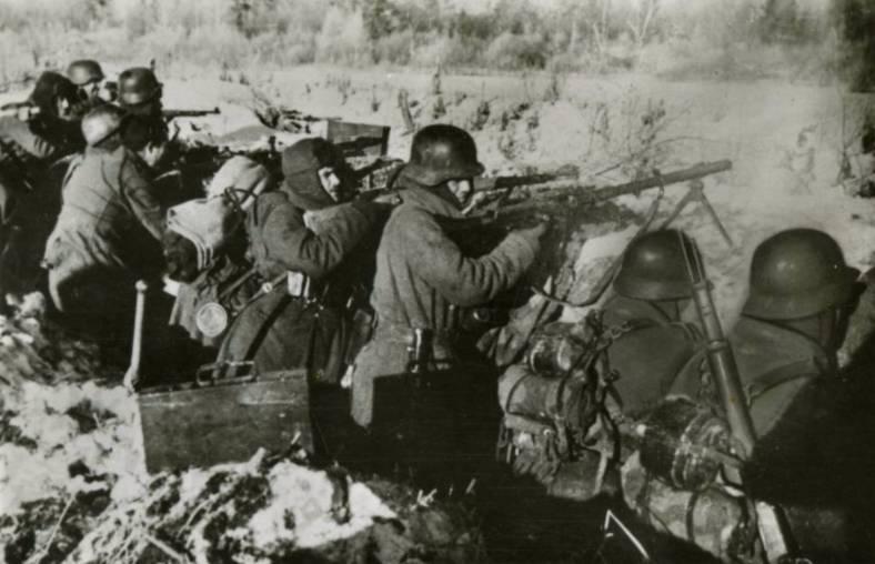 Leden van de Blauwe divisie aan het Oostfront - cc