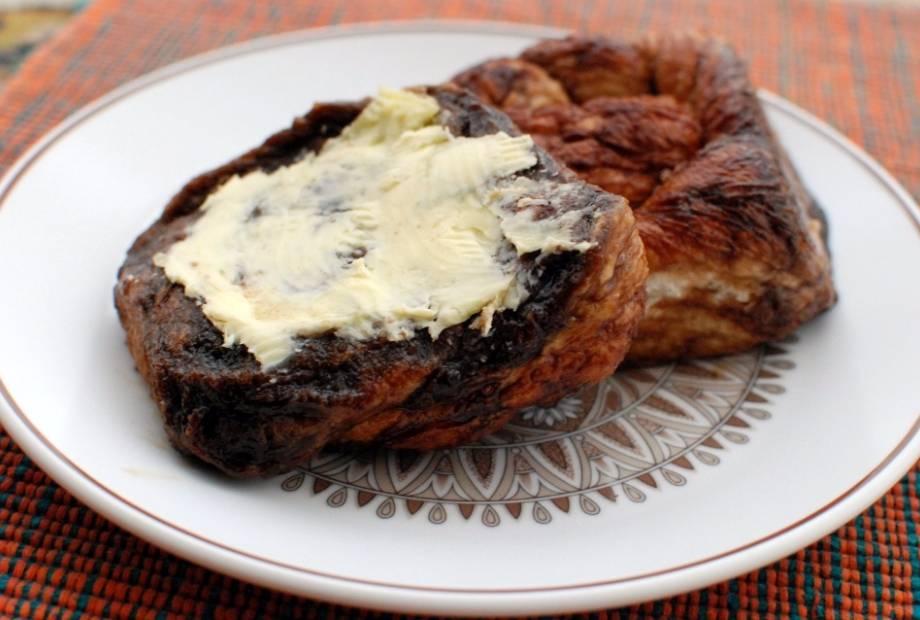 Zeeuwse bolus met boter. - cc