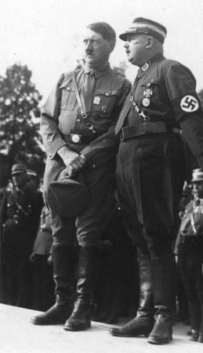 Hitler en Röhm op de Rijkspartijdag van 1933