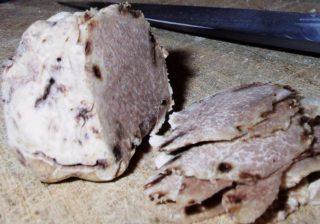 Gesneden witte truffel (cc)