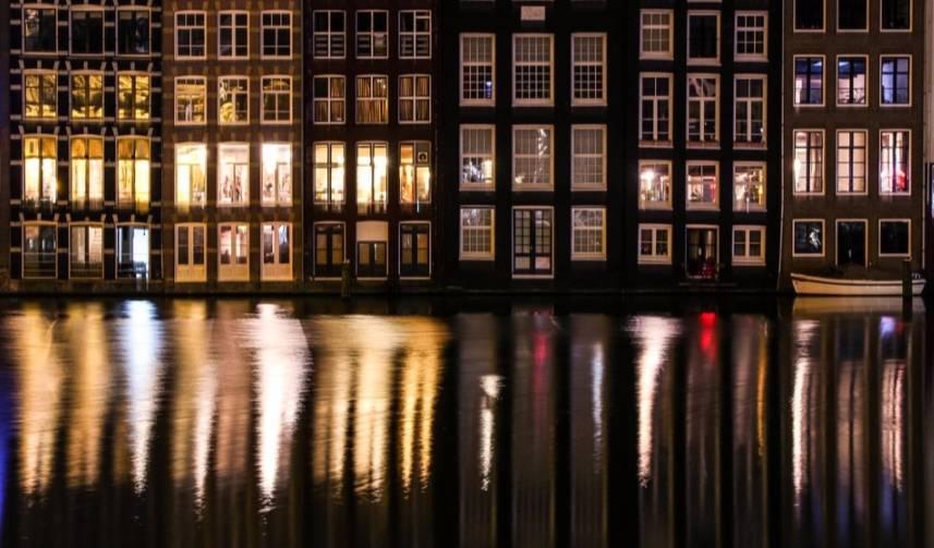 Kanaal in Amsterdam (cc - Pixabay)