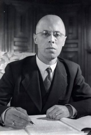 Minister-president Beel in 1947 (cc - Spaarnestad - Henk Blansjaar)
