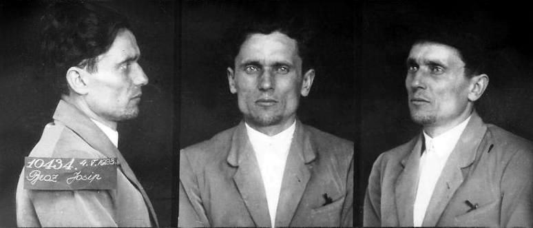 Mugshot van Tito na zijn arrestatie in 1928