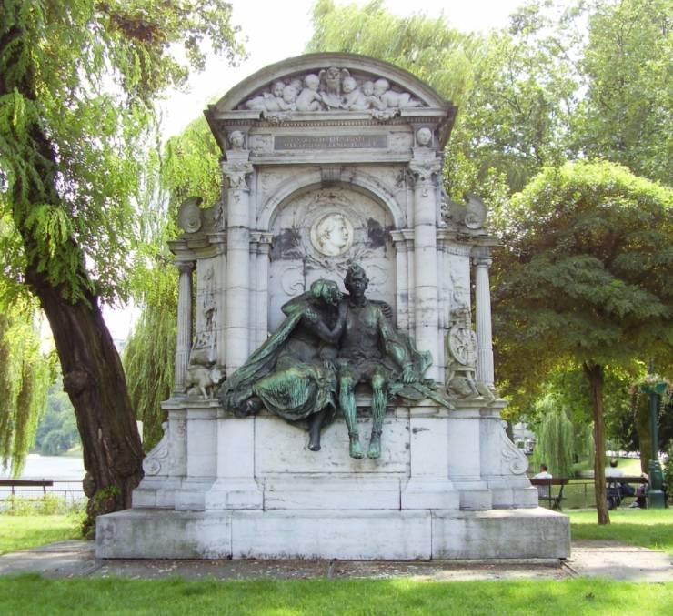 Monument ter ere van Charles De Coster en zijn 'Tijl Uilenspiegel' (cc)