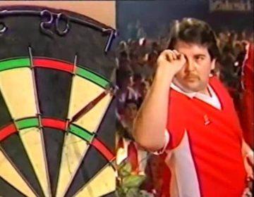 Phil Taylor tijdens zijn allereerste WK-finale (Still YouTube)