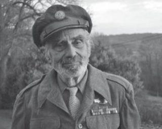 Leonard Creo in 2017, in zijn oude Amerikaanse legeruniform. Bron: Angst en Vrijheid / Keith Lowe