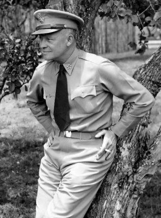 Eisenhower als generaal, 1945 (US Army)