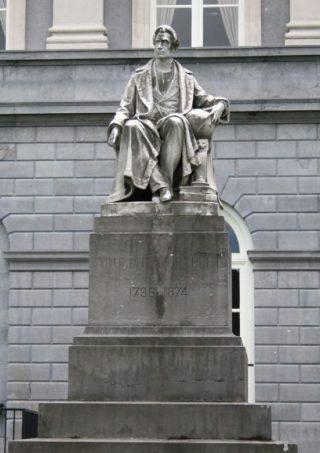 Standbeeld van Quetelet in Brussel door Charles Auguste Fraikin (cc - Klever)