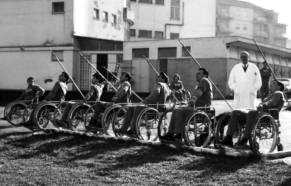 Speerwerpers tijdens de Paralympics van 1960