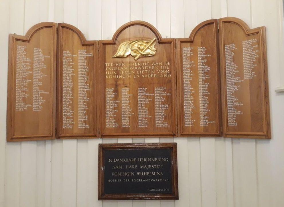 Bord met de namen van omgekomen Engelandvaarders (Historiek)