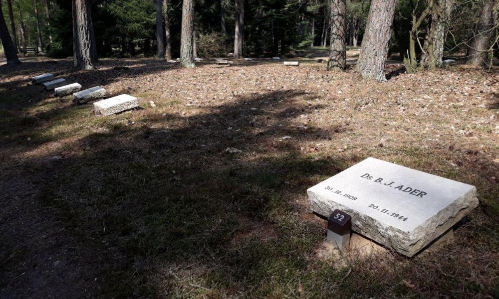 Enkele graven op de erebegraafplaats (Historiek)