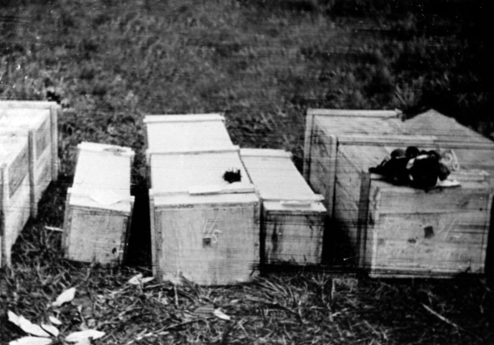 Er waren zo veel doden dat er haastig kisten in elkaar getimmerd moesten worden om de slachtoffers te begraven.