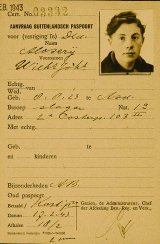 Aanvraag buitenlands paspoort, 1943. Bron:  de laatste getuige