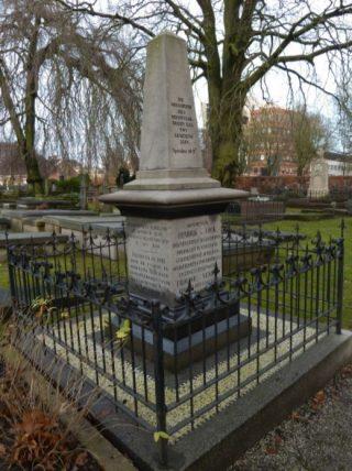 Het graf van De Cock op de Zuiderbegraafplaats in Groningen (cc - Hardscarf )