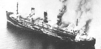 De scheepsramp met de SS Cap Arcona (1945)