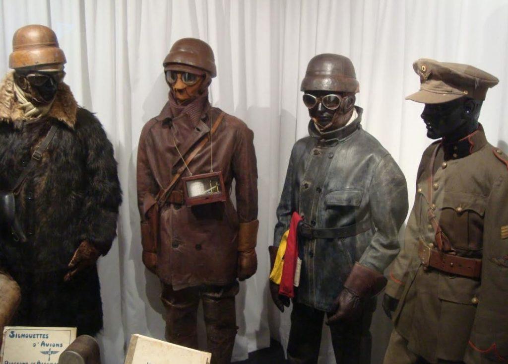 Belgische vliegerkleding in het Museum aan de IJzer (© E. Ruis)