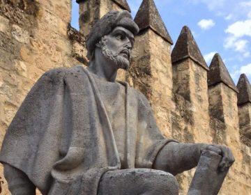 Averroës, beeld in Cordoba (cc - Saleemzohaib)