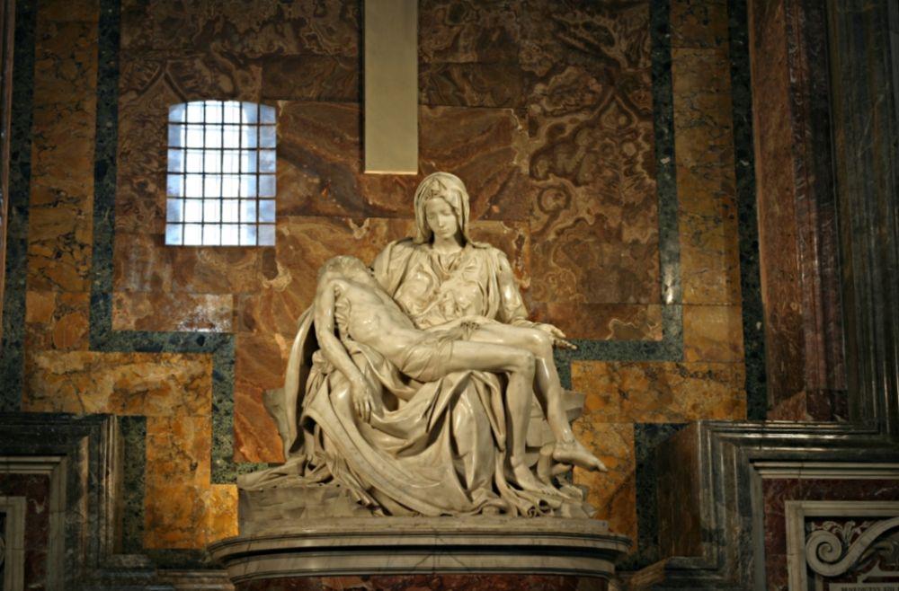 De Pietà van Michelangelo (1499) - cc / Stanislav Traykov