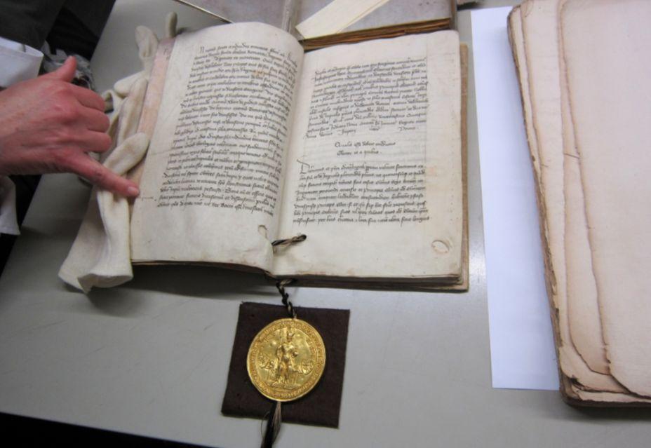 Gouden Bul uit 1356 (Hauptstaatsarchiv Stuttgart)