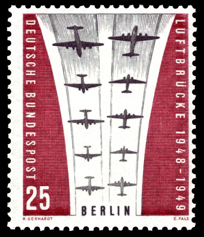 Postzegel ter herinnering aan de Berlijnse luchtbrug (wiki)