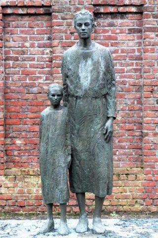 Ravensbrück-monument in Brussel (cc - Horst J. Meuter)