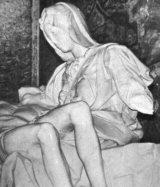 Detail van het beschadigde beeld, 1972