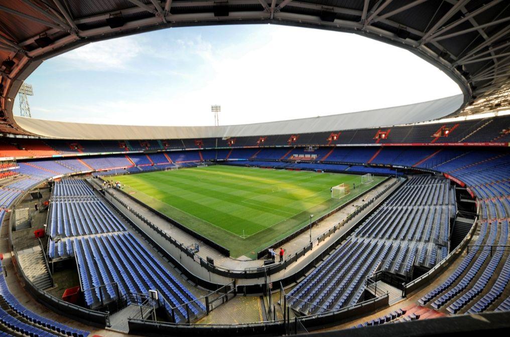 Stadion Feijenoord (De Kuip) in Rotterdam (cc - Валерий Дед)