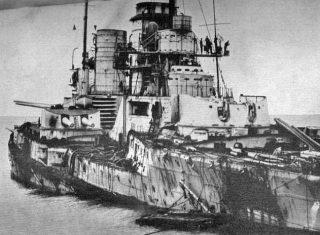 De zwaargehavende Duitse slagkruiser SMS Seydlitz