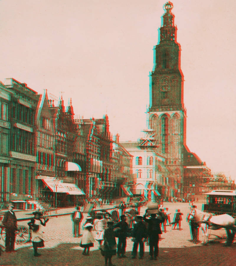 Anaglyph naar stereofoto - Noordzijde van de Grote Markt in Groningen, 1898 (Noordelijk Scheepvaartmuseum)