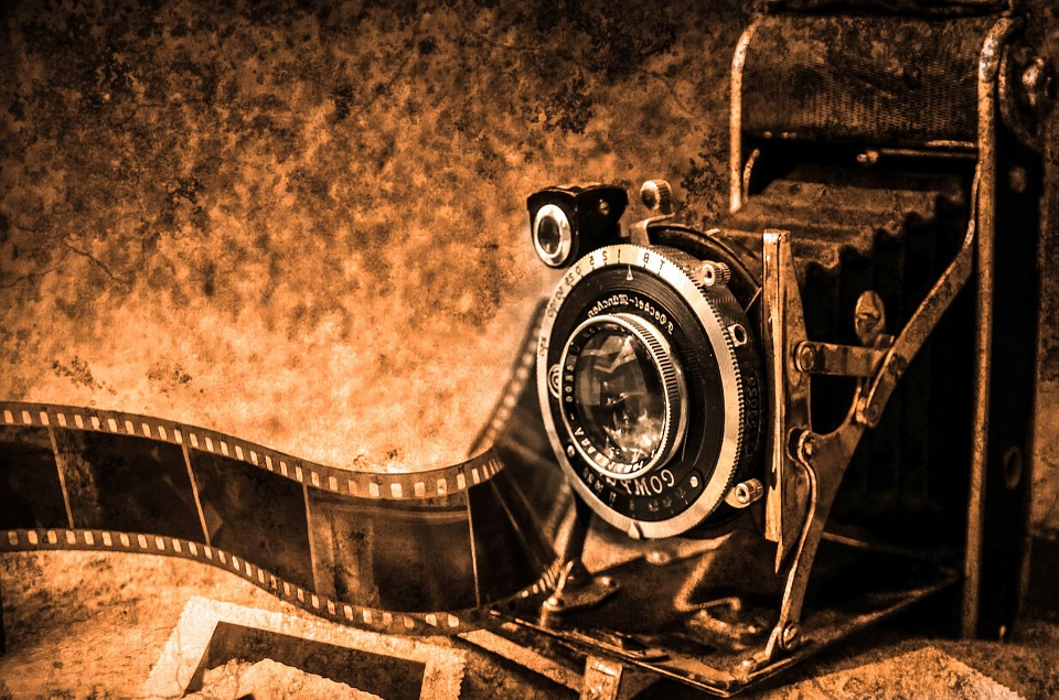 Oude fotocamera (cc - Pixabay - PublicDomainPictures)