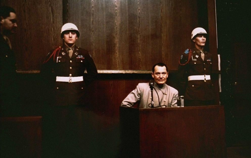 Göring in de beklaagdenbank bij het proces van Neurenberg
