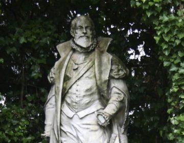 Standbeeld van Locquenghien in het plantsoen van de Kleine Zavel. (cc - Klever - wiki)