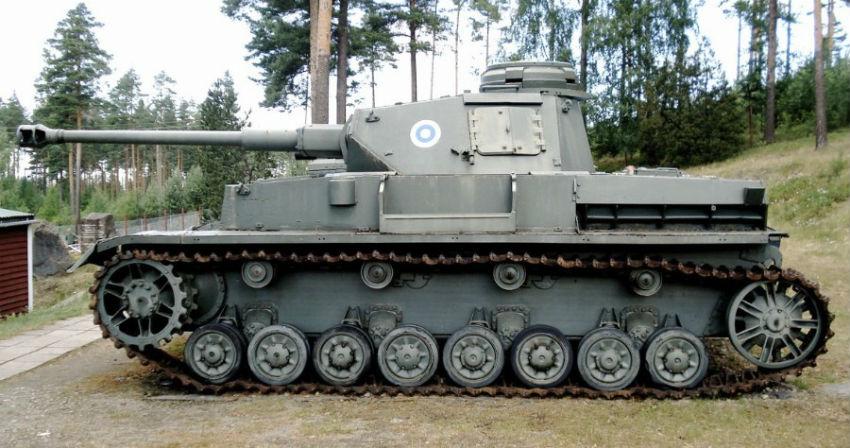 Panzerkampfwagen IV Ausf (CC BY 2.5 - Balcer)