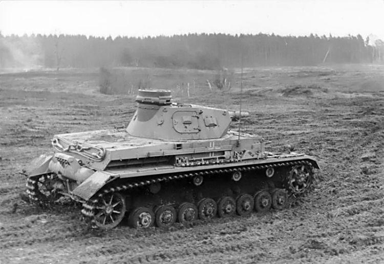 PzKpfw. IV Ausf. D (cc - Bundesarchiv)