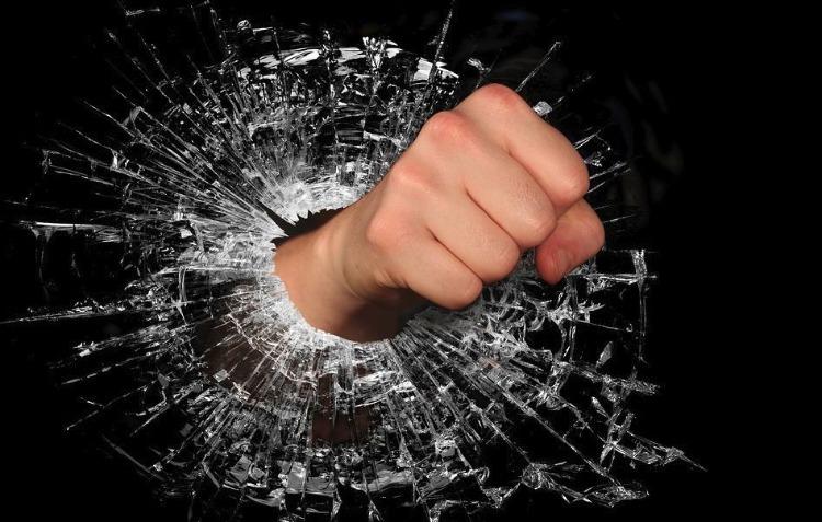 Woede - boosheid - 'Krijg de Rambam!' (cc0 - Pixabay - WenPhotos)