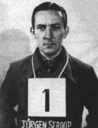Jürgen Stroop, na zijn arrestatie door de Amerikanen (Publiek Domein - wiki)