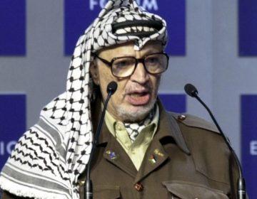 Yasser Arafat in 2001 (CC BY-SA 2.0 - Remy Steinegger - wiki)