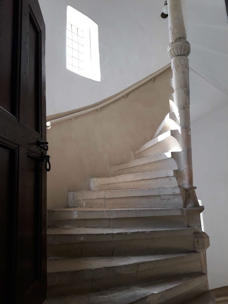 Zandstenen wenteltrap uit de zestiende eeuw (Foto Historiek)