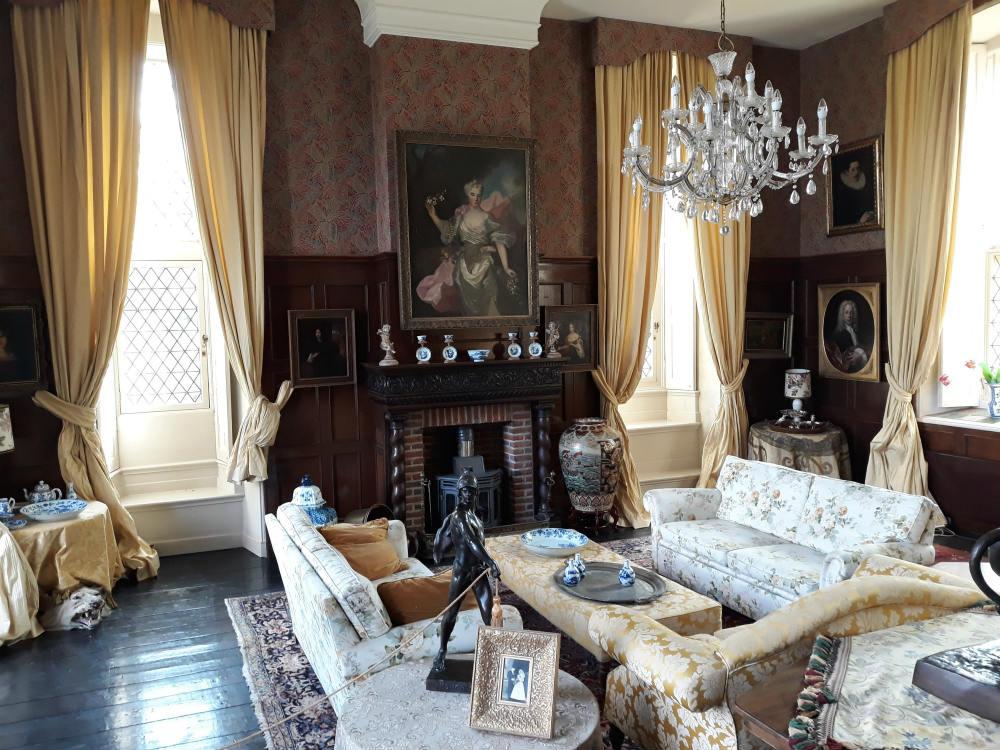 Zitkamer in de oude burgemeesters-kamer (Foto Historiek)