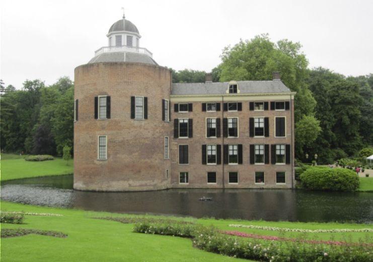 De nog altijd bestaande toren van het oude Kasteel Rosendael (CC BY-SA 3.0 - M.M.Minderhoud)