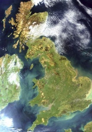 Groot-Brittannië met links Ierland, april 2002. Bron NASA