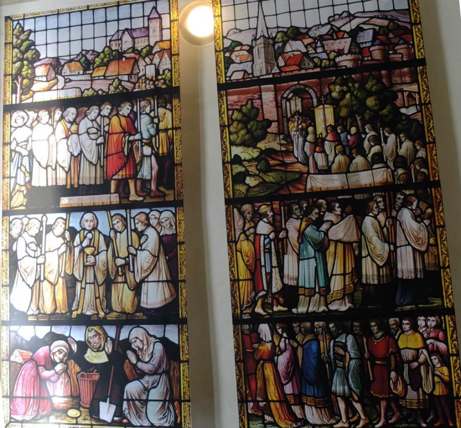 Verbeelding van het hostiewonder van Niervaert in de Grote Kerk in Breda (CC BY-SA 4.0 - G.Lanting - wiki)