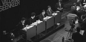 """Beeldreligie: """"Schandalige godslastering bij de VARA!"""" (1964)"""