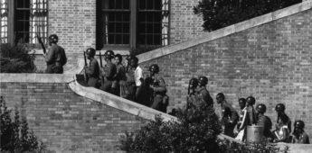 De Little Rock Nine (1957) – Onder militaire begeleiding naar school