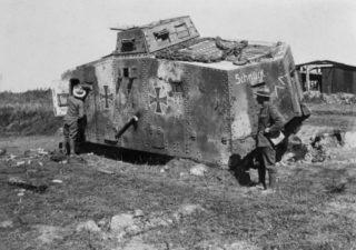 Beschadigde A7V-tank (Publiek Domein - wiki)