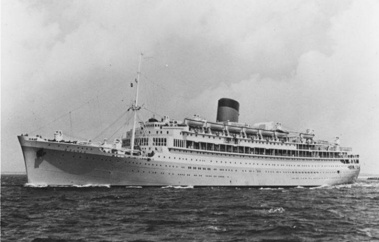 MS Oranje op zee (CC0 - Nationaal Archief - Anefo )
